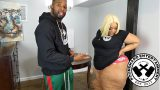 xxxฝรั่ง แม่บ้านสาวผิวสีหุ่นอวบอ้วนนมใหญ่หีีใหญ่โดนแฟนหนุ่มควยโตจัดหนักอย่างรุนแรงจนน้ำแฉะ