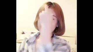 หนังโป๊ไทย เน็ทไอดอลสาวหน้าสวยผมสั้นๆโครตน่ารักไลฟ์สดแก้ผ้าโชว์เสี่ยวให้แฟนคลับได้ดู