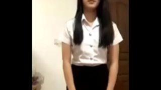 น้องพู่นักศึกษาสาวไทยหุ่นเอ็กเซ็กซี่มากๆตั้งกล้องถ่ายคลิปแก้ผ้าเต้นยั่วโชว์เอวพริ้วๆในห้องนอน