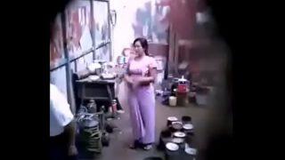 แอบถ่ายเจ้าของอู่บ้ากามเย็ดหีลูกจ้างสาวพม่าผิวโครตขาวในห้องทำงาน