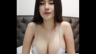 คลิปxไทยเน็ทไอดอลสาวสวยหุ่นดีนมใหญ่สุดๆไลฟ์สดแก้ผ้าโชว์เสียวลงกลุ่มลับ