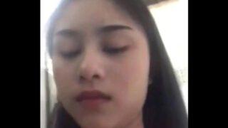 คลิปหลุดสาวไทยลีลาดีแก้ผ้าถ่ายคลิปโป๊แล้วส่งไปยั่วแฟนหนุ่มให้รีบๆกลับจากที่ทำงาน