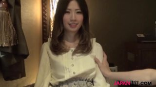 asianxxxพริตตี้สาวญี่ปุ่นหน้าตาดีสวยใสครบเซ็ทโดนหนุ่มใหญ่รวยสุดๆจ้างไปเย็ดหีบนคอนโด