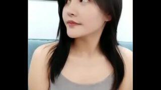 คลิปหลุดนักศึกษาสาวไทยหน้าสวยหวานน่ารักสุดใจโดนแฟนหนุ่มรุ่นพี่พาไปเปิดซิงที่ห้องพัก